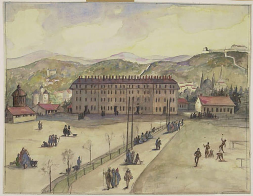 Panorama d'ensemble de la caserne et de Besançon