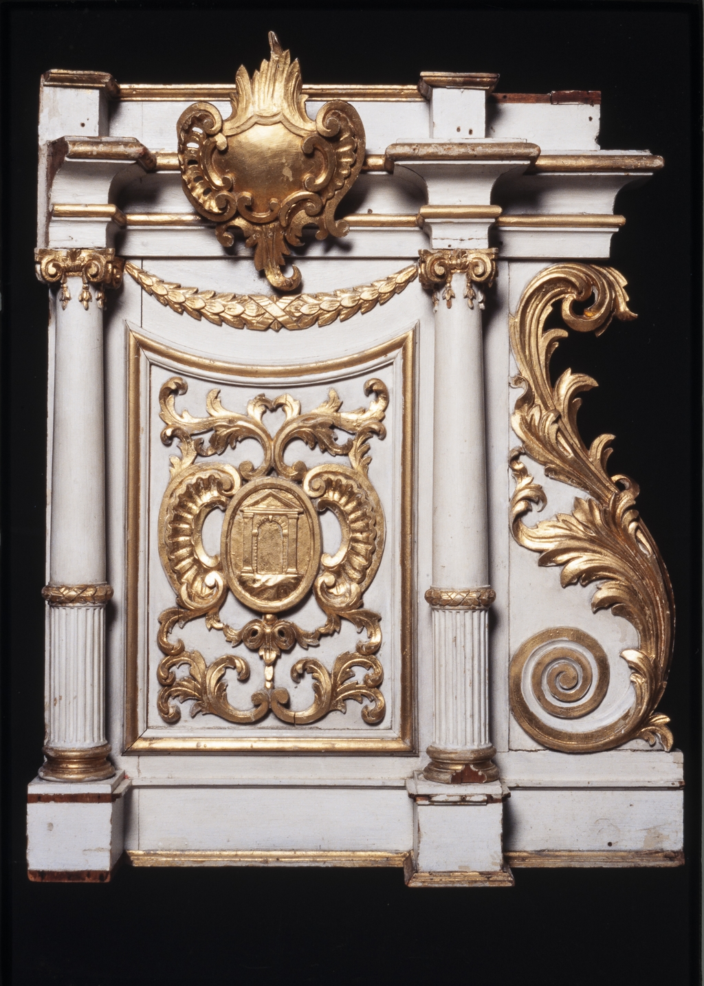 Fragment du tabernacle de l'autel de la Vierge de Saint-Martin de Laval