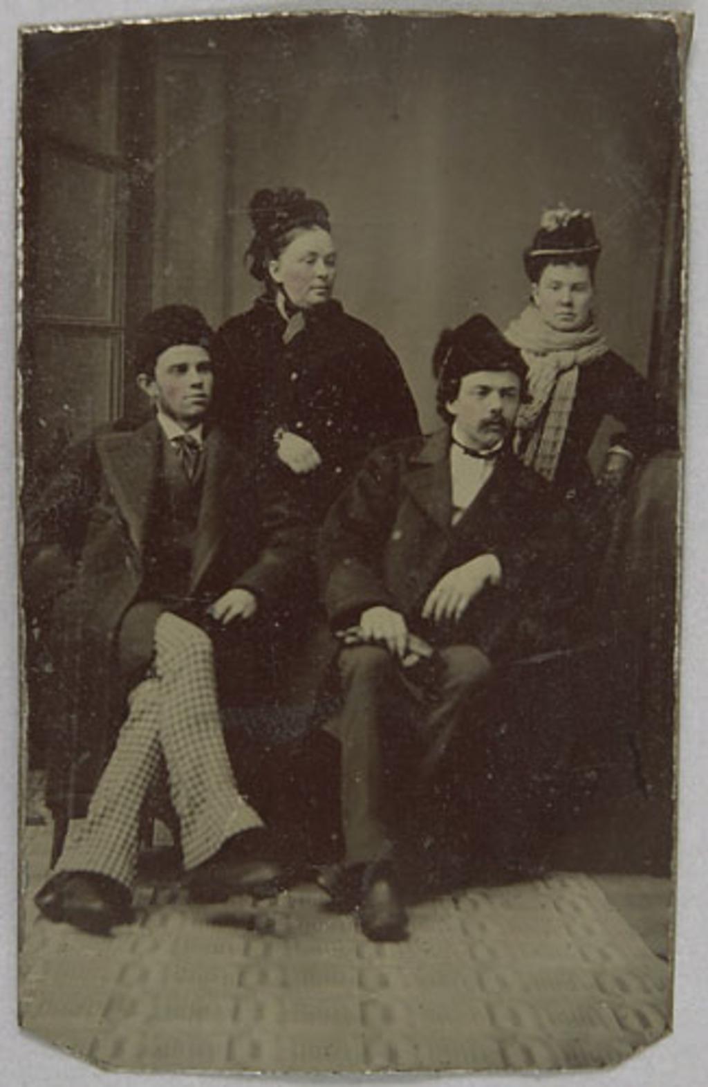 Portrait de couples, de l'album de la famille Richer, dit Laflèche et Murphy