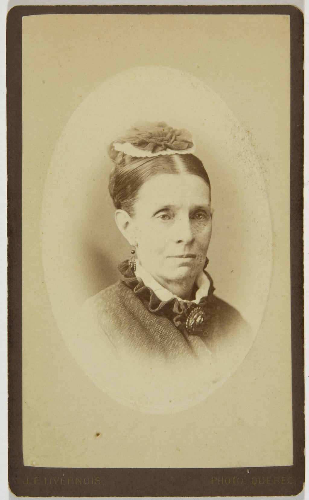 Portrait présumé de madame Taché, de l'album de la famille Taché-Cimon