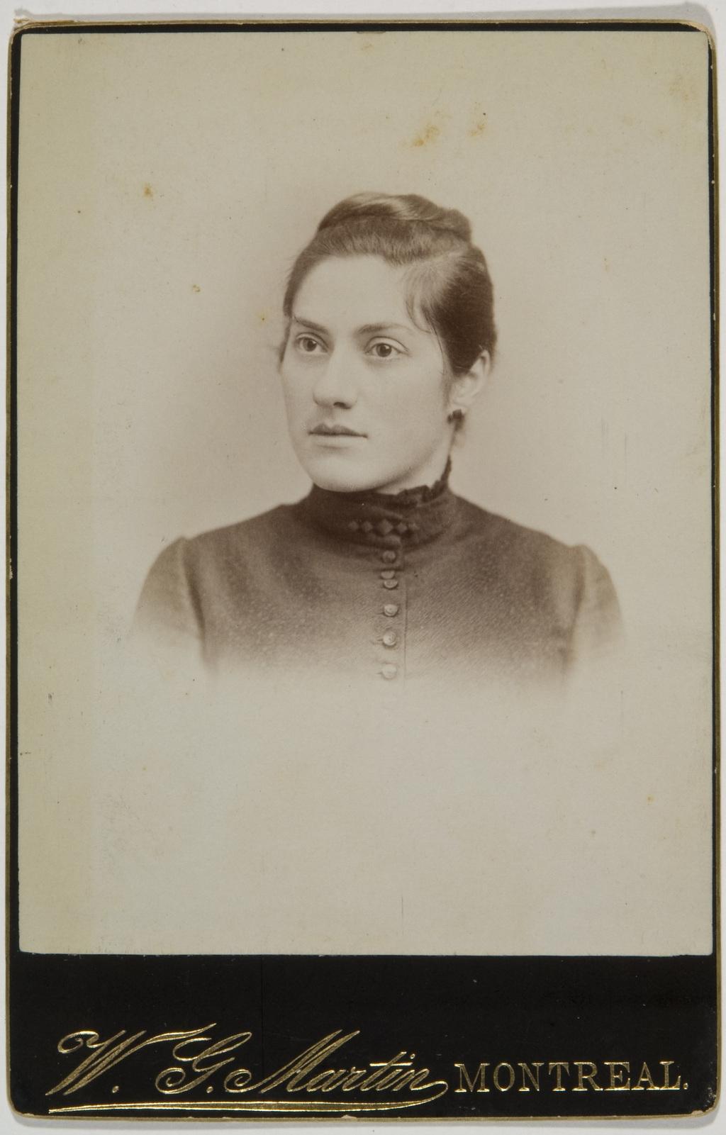 Madame Alfred Duberger, née Alma-Corinne Cimon, de l'album de la famille Taché-Cimon