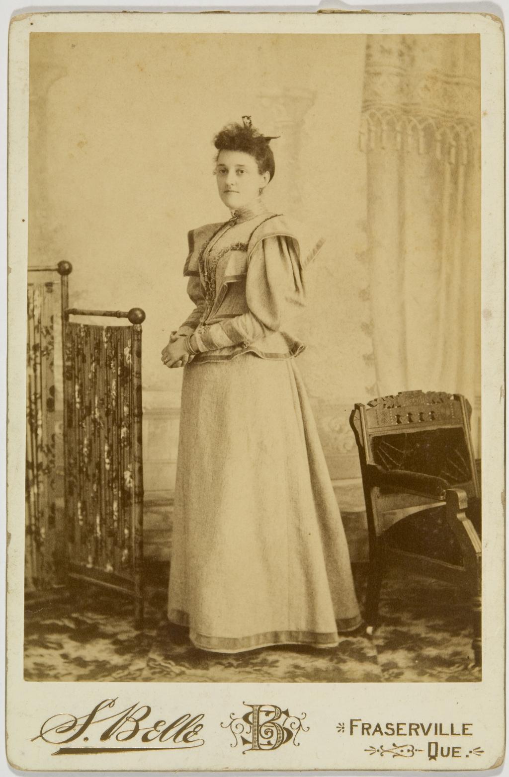 Madame Pascal-Winceslas Taché, née Isabelle Hamel, de l'album de la famille Taché-Cimon