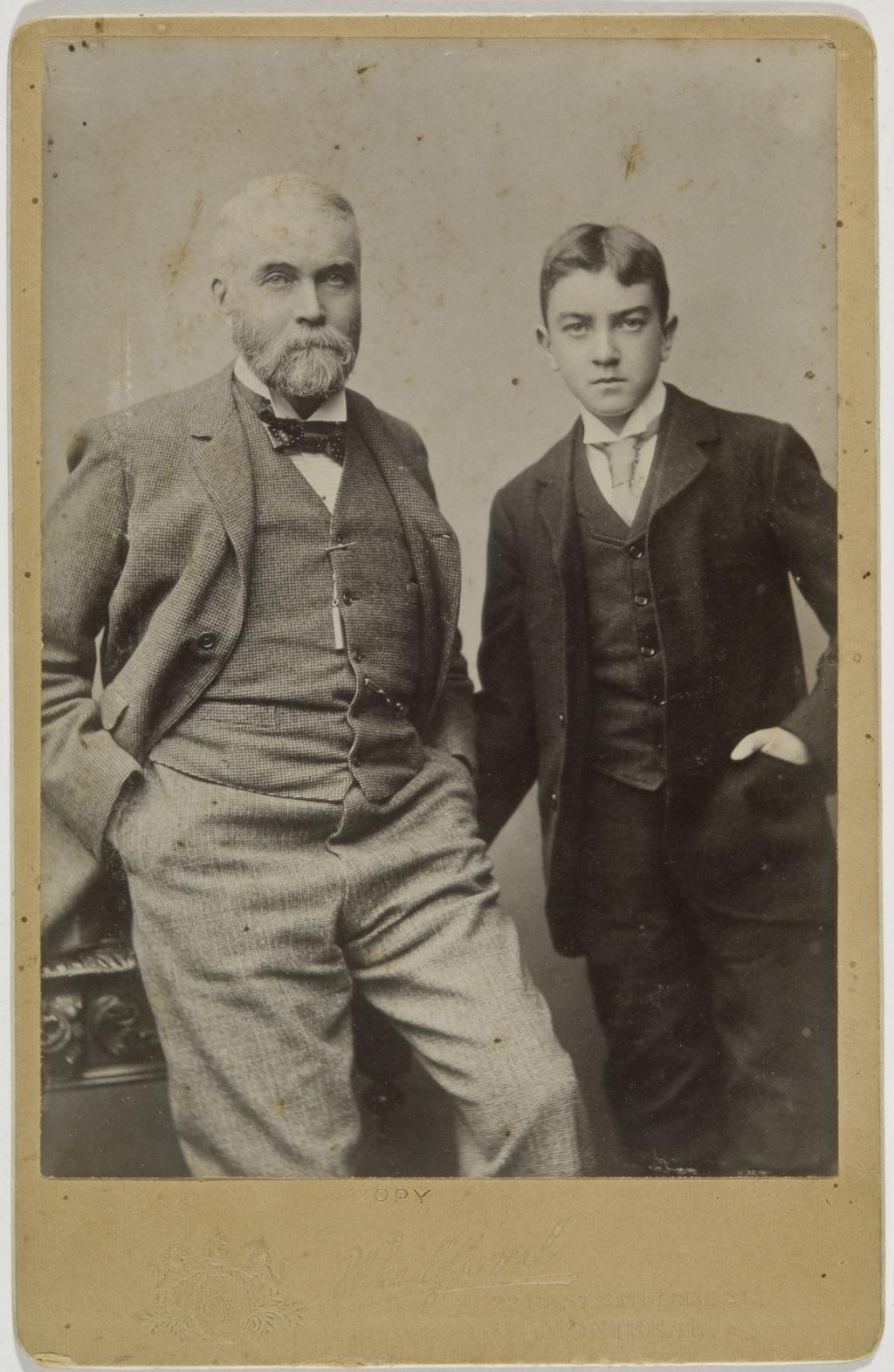J. Hogan et son fils Jack, de l'album de la famille Taché-Cimon