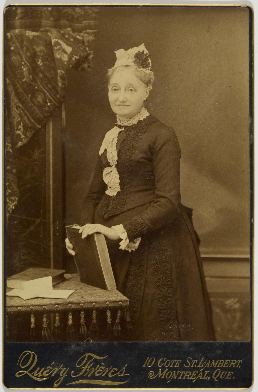 Madame Coursol, de l'album de la famille Taché-Cimon