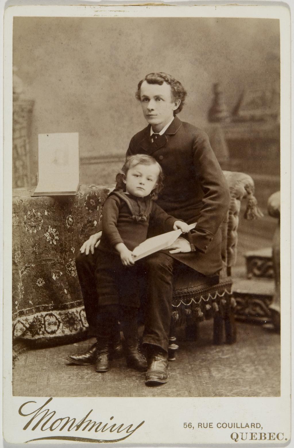 Louis-Charles-Alphonse Angers et son fils Charles-Joseph, de l'album de la famille Taché-Cimon