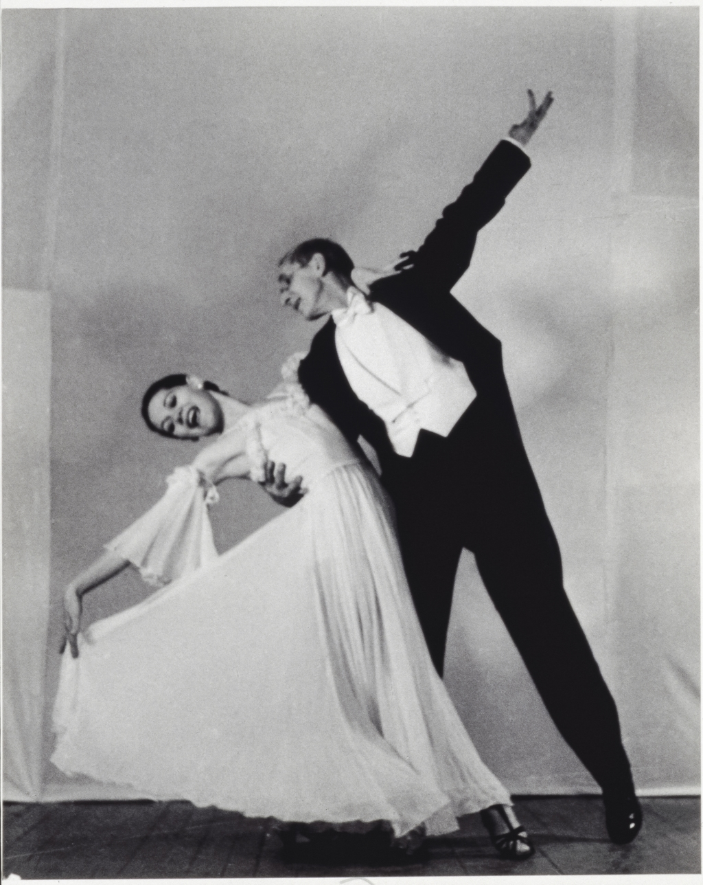 Carlotta et Frederick Simpson Coburn dansant