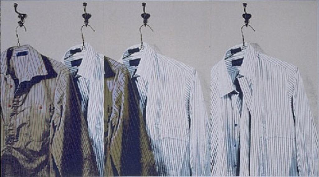 Chemises blanches et bleu-vertes