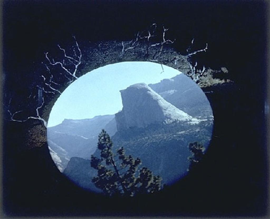 Projection de la vallée Yosemite (demi-dôme), Californie, à l'intérieur d'une tente camera obscura
