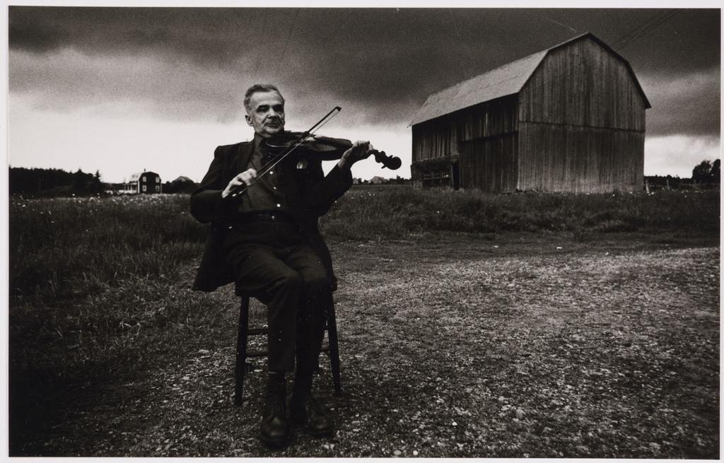 Ti-Noir Lajeunesse, le violoneux aveugle, de la série «Disraeli, une expérience humaine en photographie»