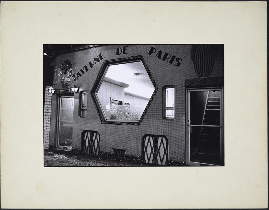 La Taverne, extérieur, de la série « La Taverne »