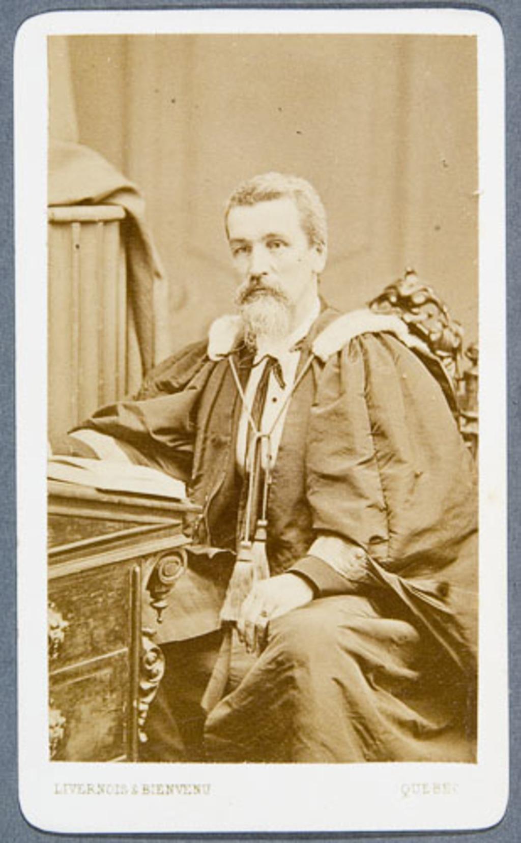 Portrait d'homme en toge, de l'album Eugène-Hamel