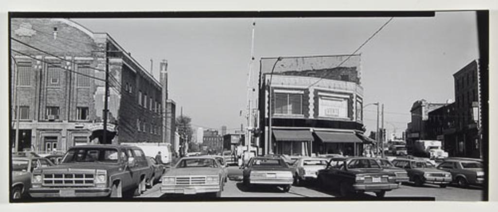 Place Saint-Henri, de la série Panoramas de Montréal (1980-1981)