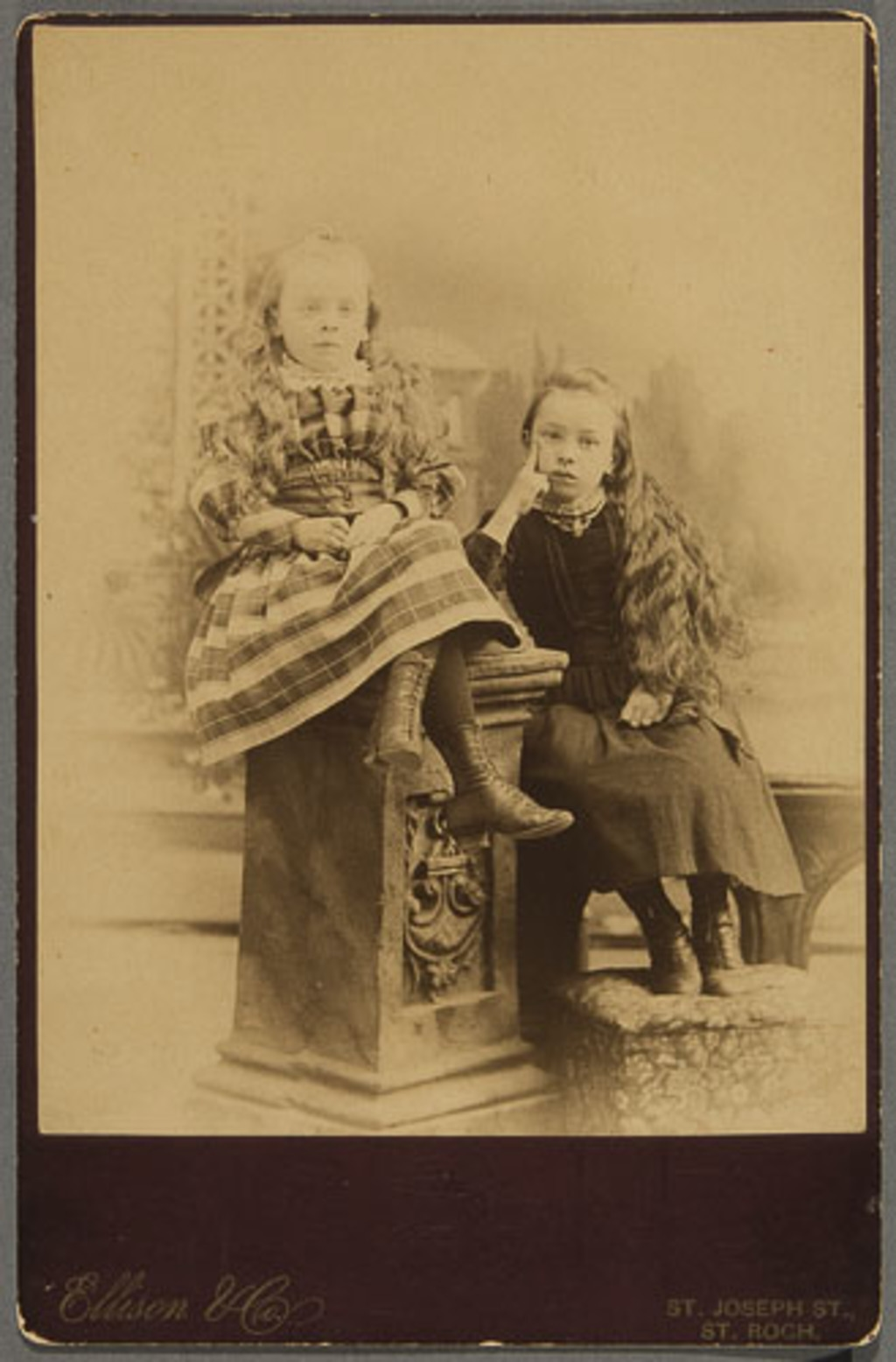 Portrait de deux fillettes