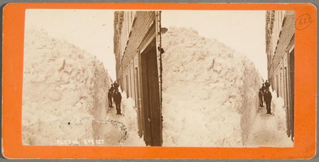 La Rue Monseigneur-Plessis à Québec, après une tempête de neige