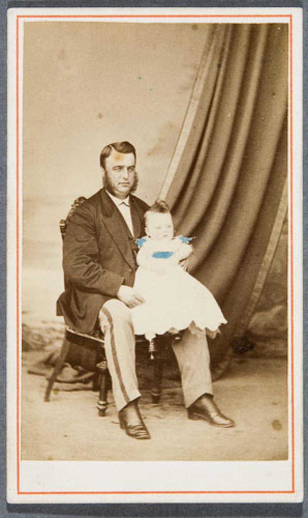 Jean-Baptiste Delâge et son fils Cyrille Fraser, bébé
