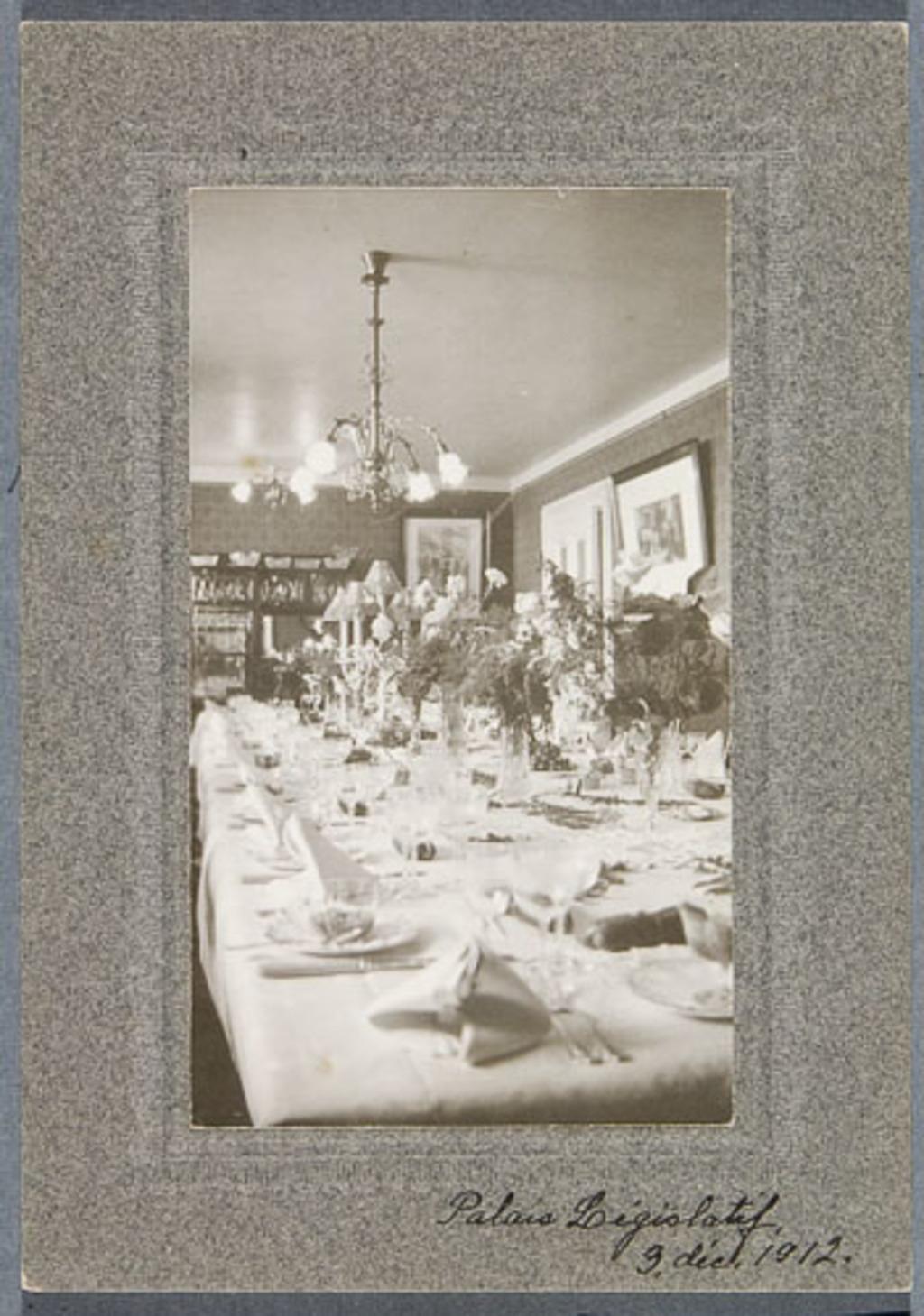 Table de banquet au Palais législatif de Québec