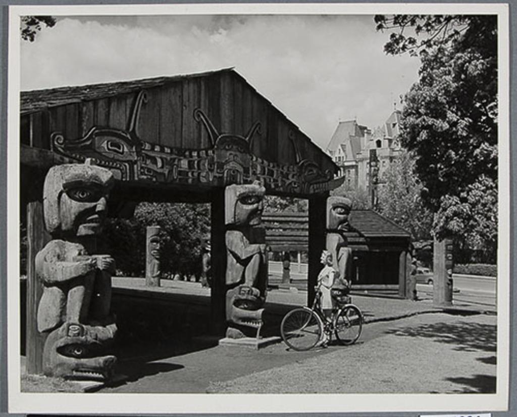 Le Parc Thunderbird et l'hôtel Empress, Victoria