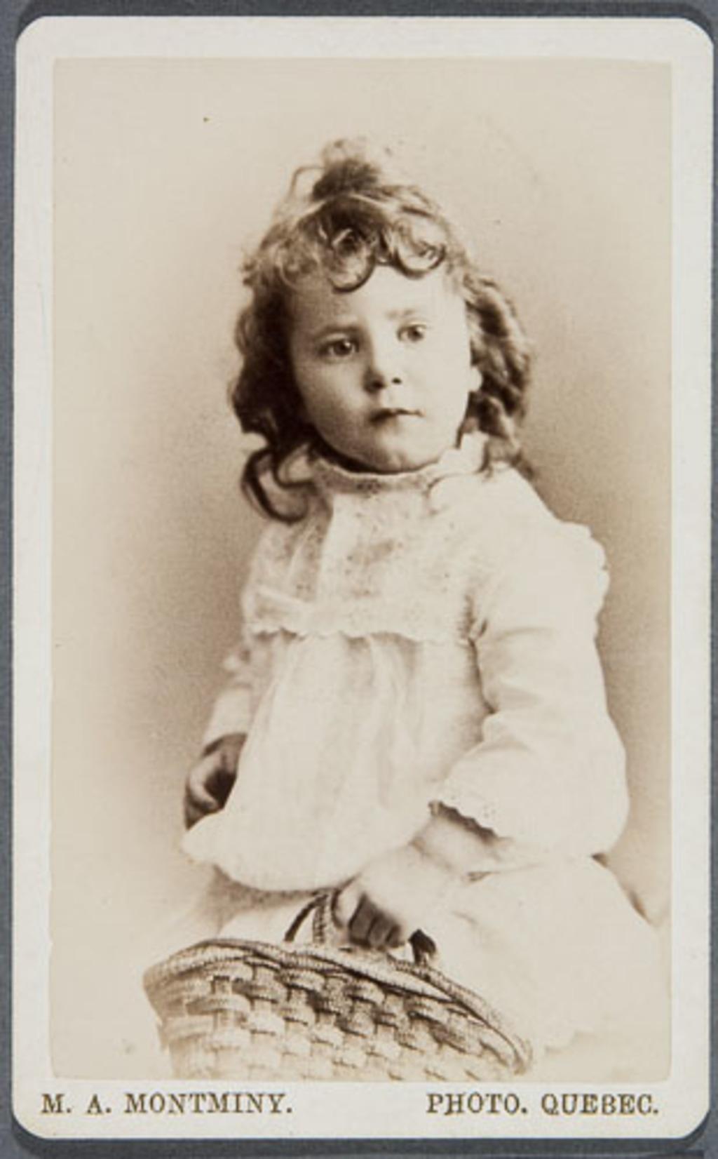 Antonia De Blois, enfant, de l'album des familles De Blois, Dugal et Langelier