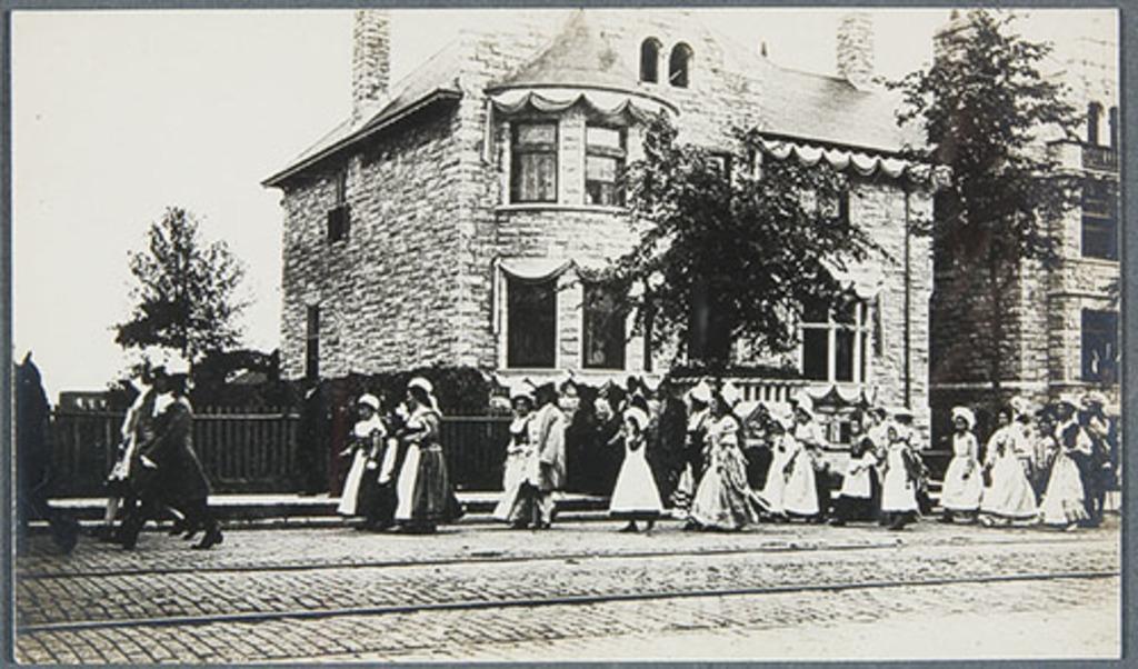 Le Défilé historique sur la Grande Allée, tricentenaire de Québec