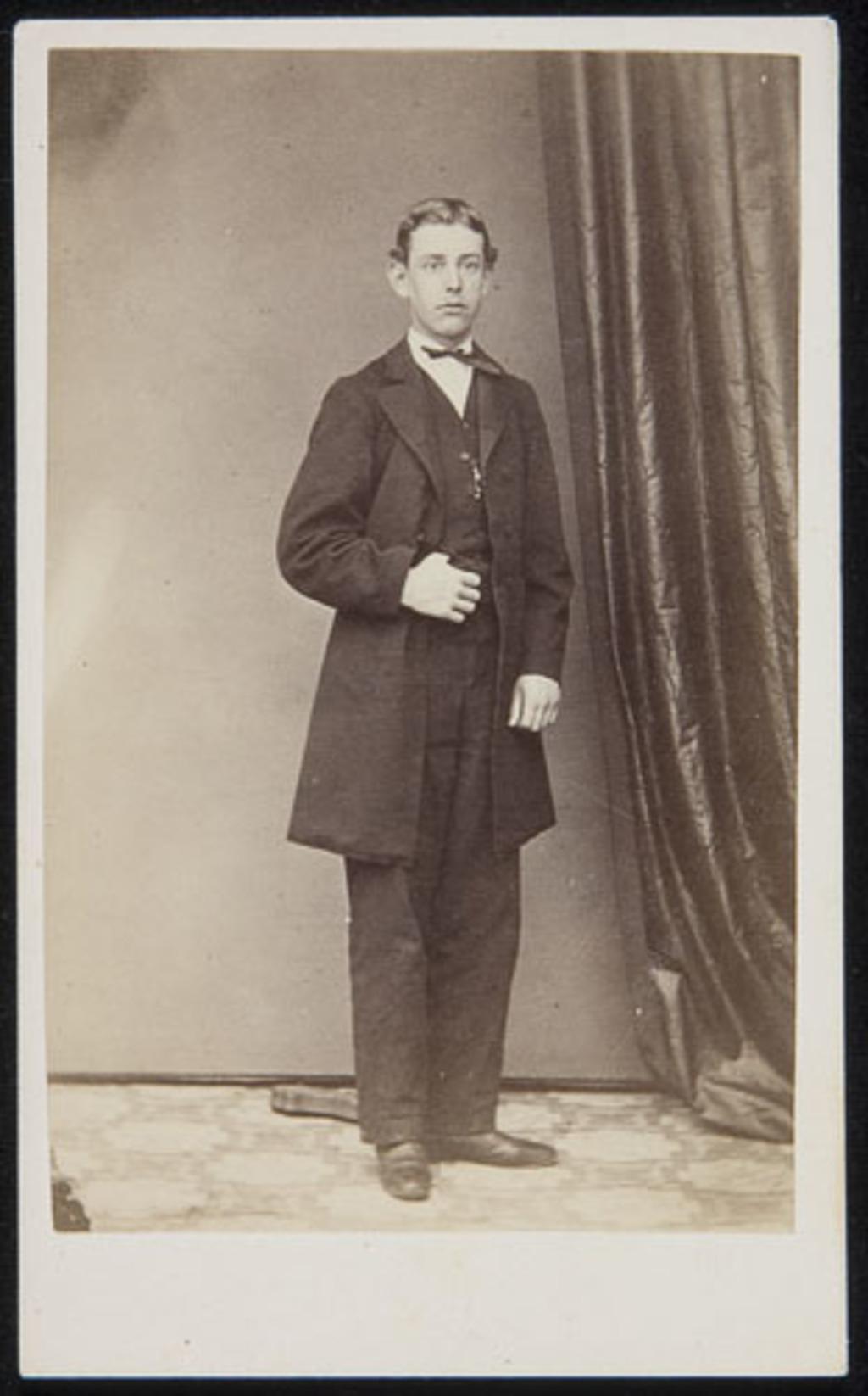 Portrait d'homme, d'un album de famille