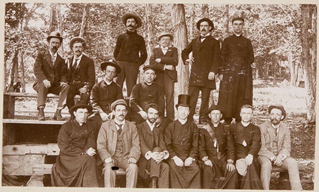 Portrait de groupe au Petit-Cap, de l'album-souvenir du conventum des rhétoriciens de 1887-1888