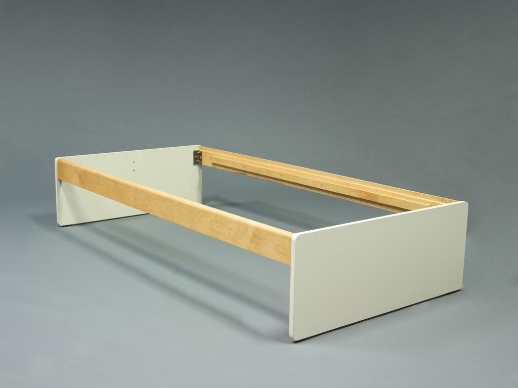 Base de lit du mobilier du village olympique pour les Jeux de la XXIº olympiade de Montréal