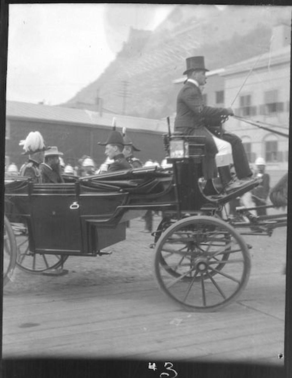 Earl Roberts et le duc de Norfolk en voiture, tricentenaire de Québec