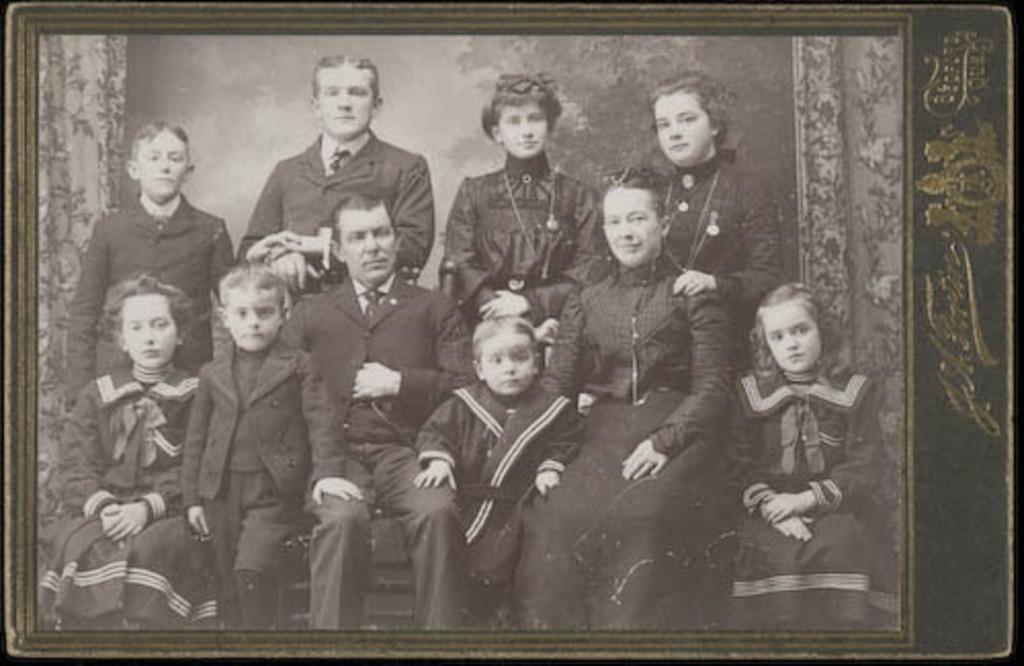 Portrait de la famille Dalpé (?)