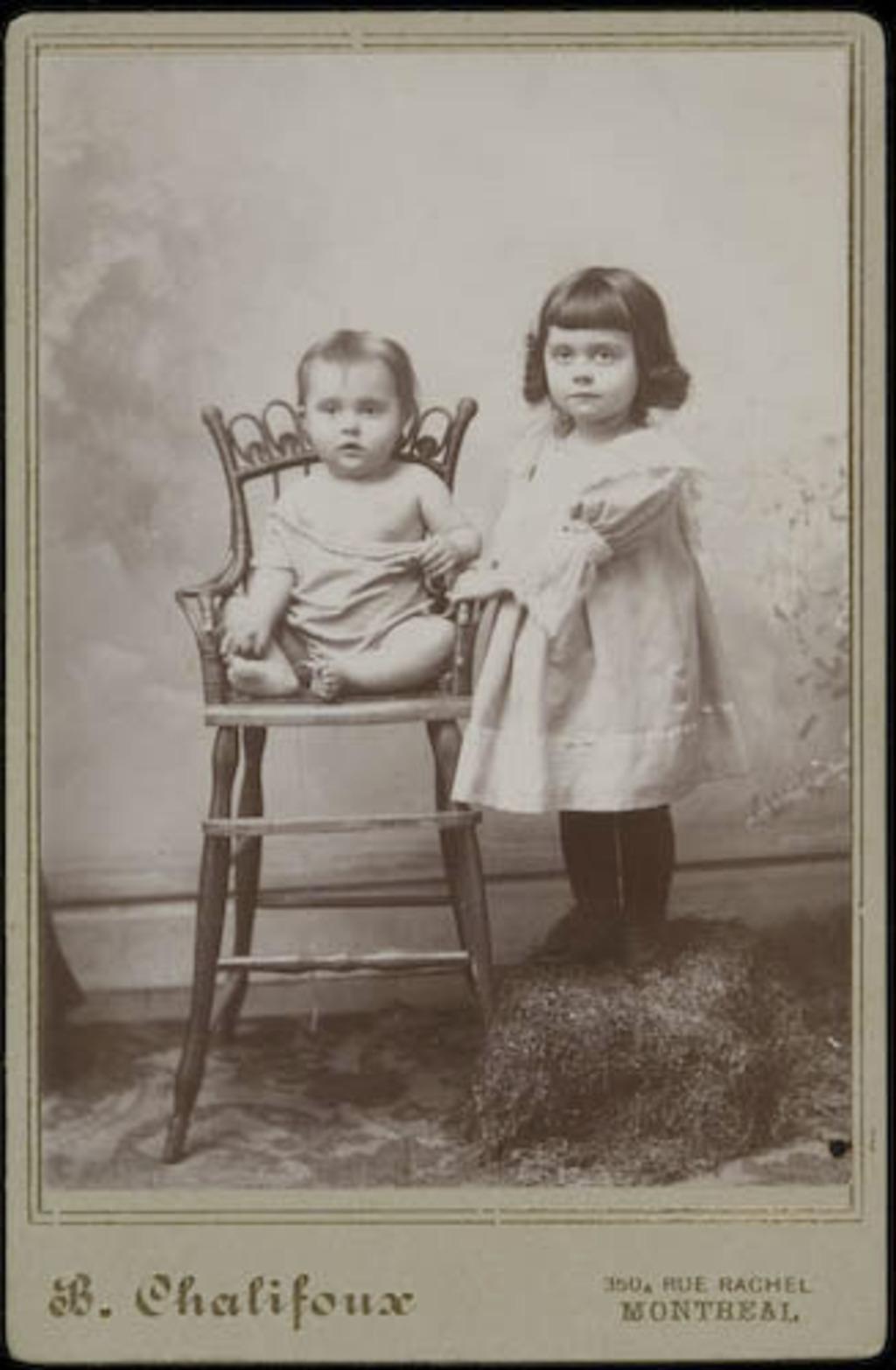 Germaine et Lucienne, enfants