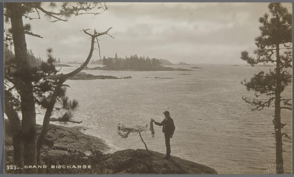 Pêcheur à la Grande Décharge du lac Saint-Jean