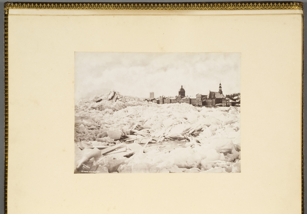 Embâcle en face de l'hôtel de ville (Marché Bonsecours), Montréal, de l'album du révérend William M. Black