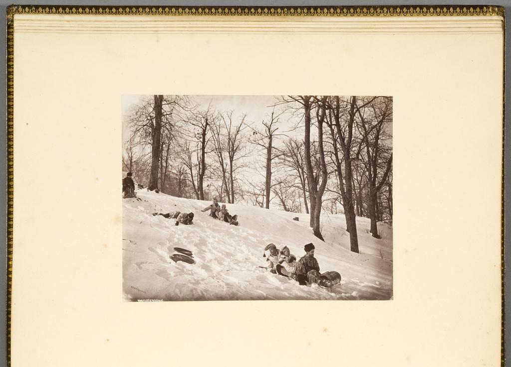 Descente en toboggan sur le mont Royal, Montréal, de l'album du révérend William M. Black