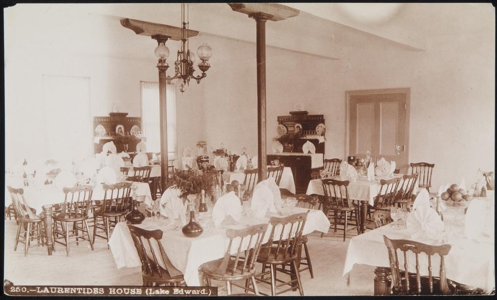 Salle à manger du camp Laurentides, lac Édouard