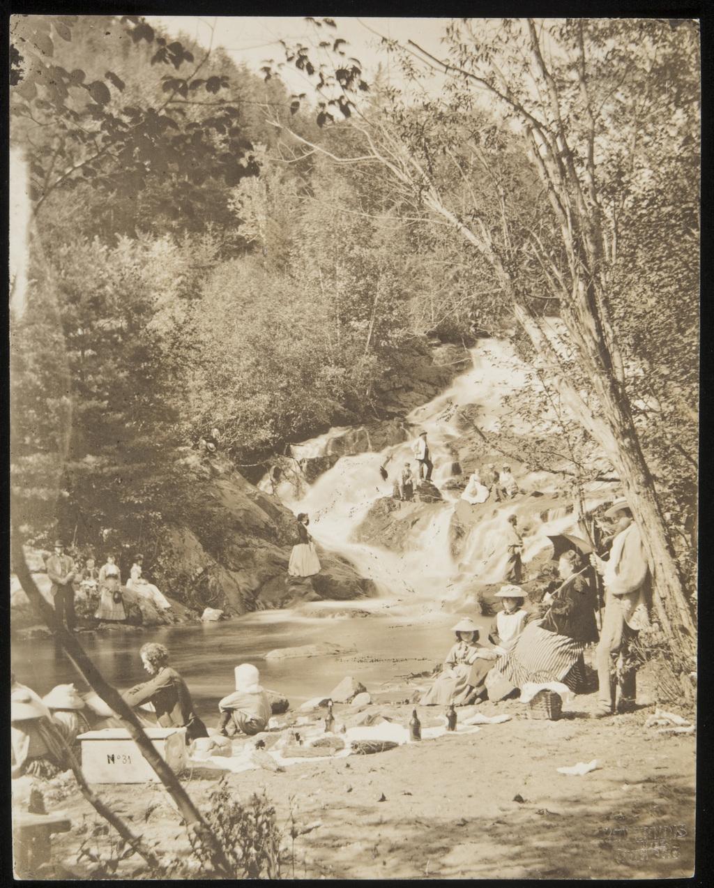 La Famille Livernois à la fosse (« Le Trou »), La Malbaie