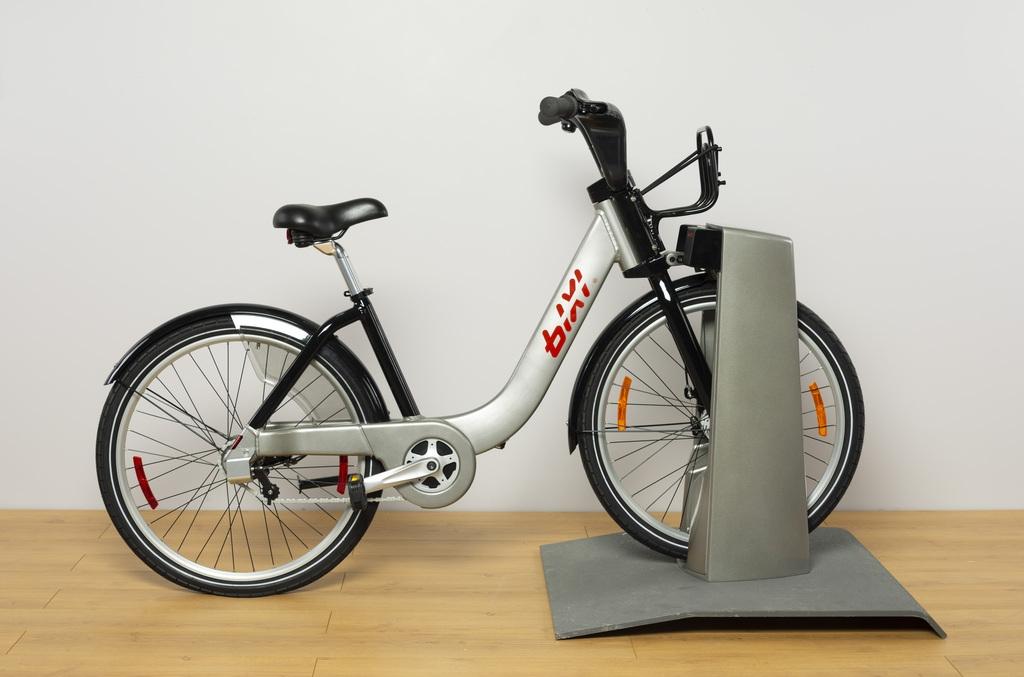 Vélo, point d'ancrage et pavé technique unitaire «BIXI»