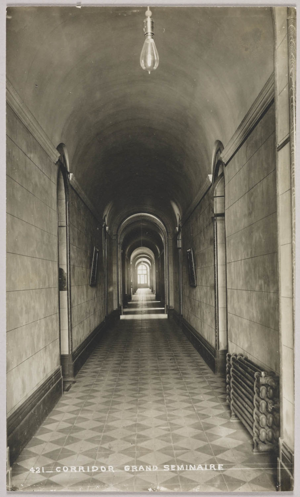 Le Corridor principal du Grand Séminaire, Québec