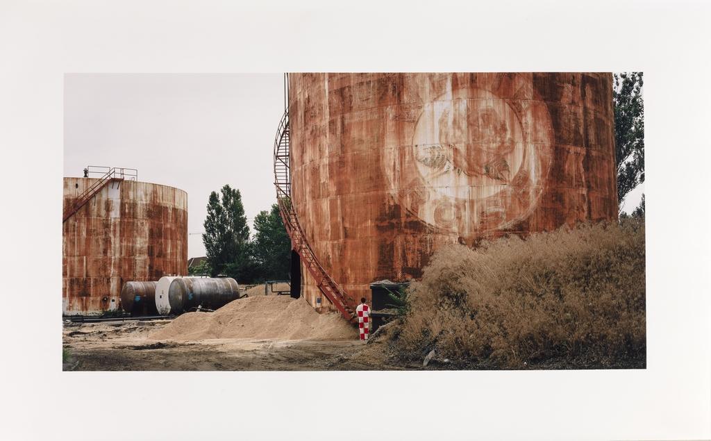 Site et citernes d'huile désaffectés, Toronto, Ontario, de la série « Paysages étalonnés »
