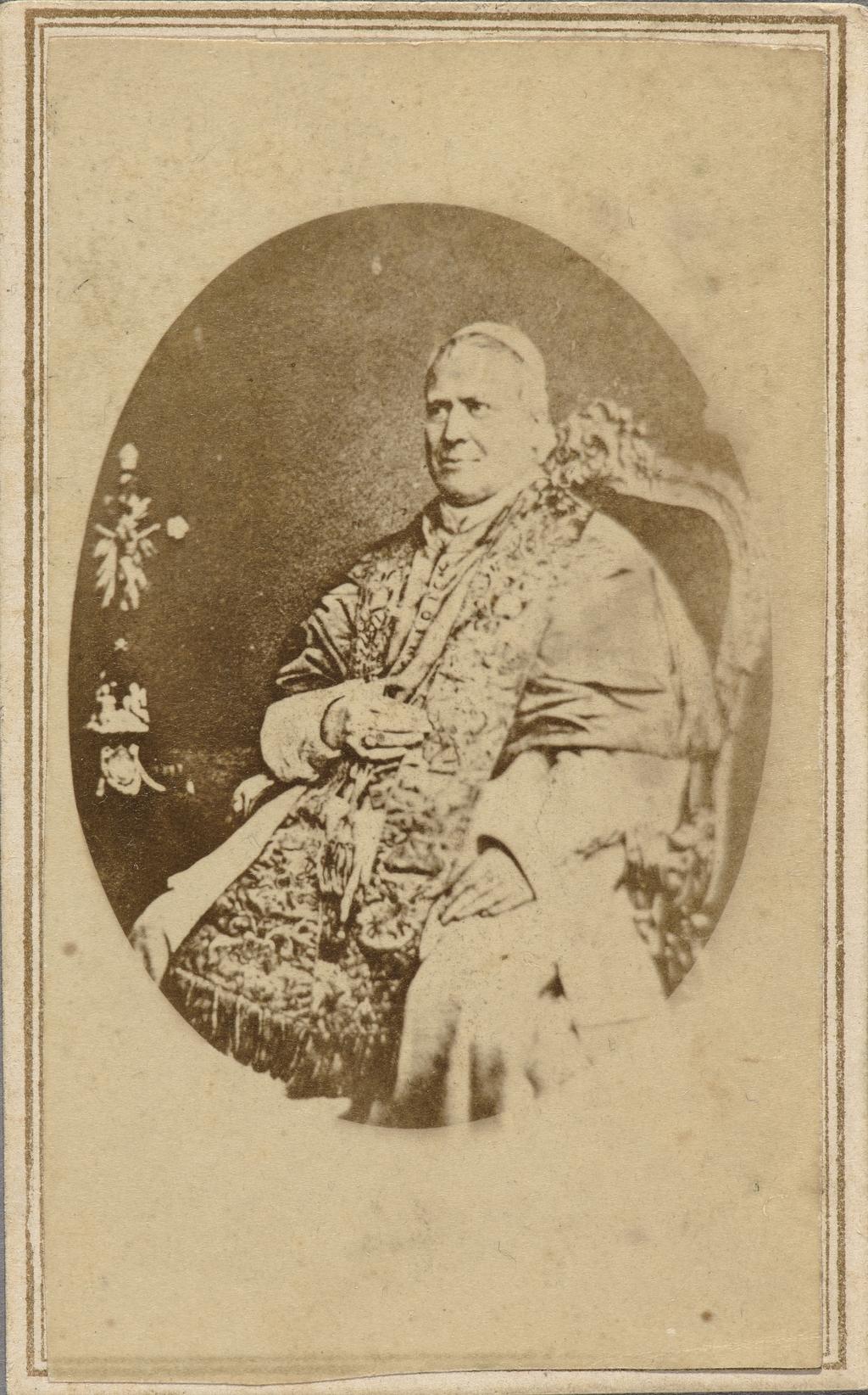 Le Pape Pie IX. Photographie d'une photographie, de l'album de collection dit de Napoléon Garneau