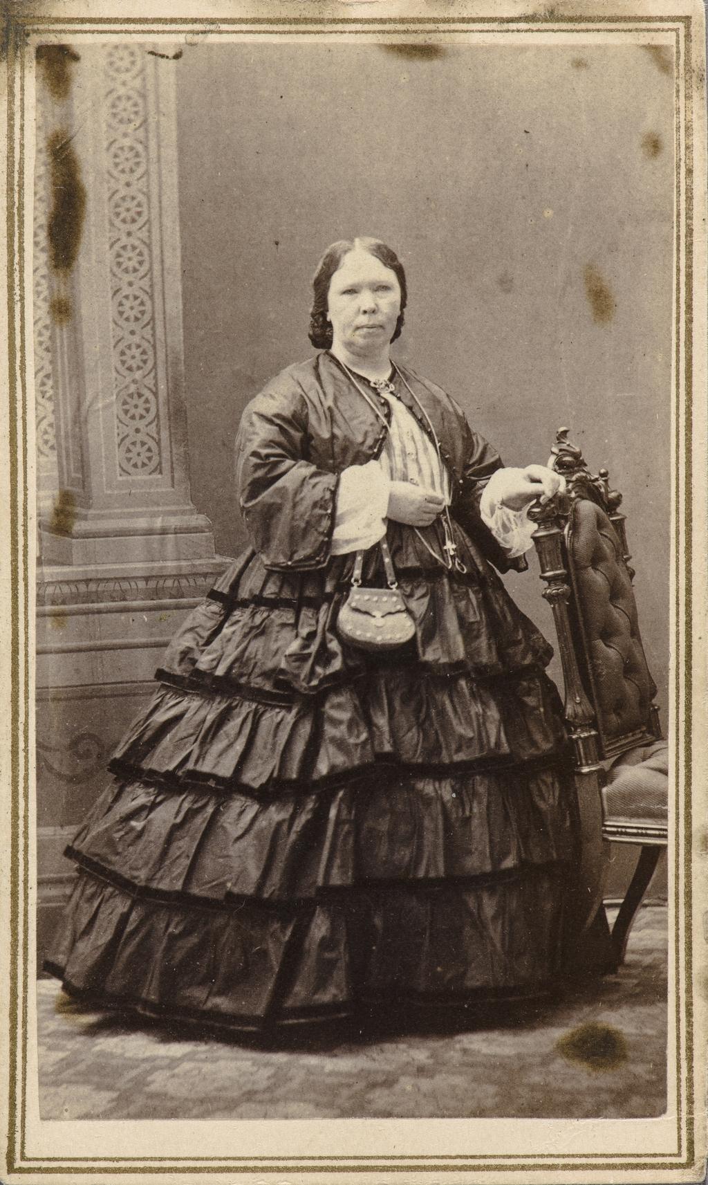 Portrait de femme, de l'album de collection dit de Napoléon Garneau