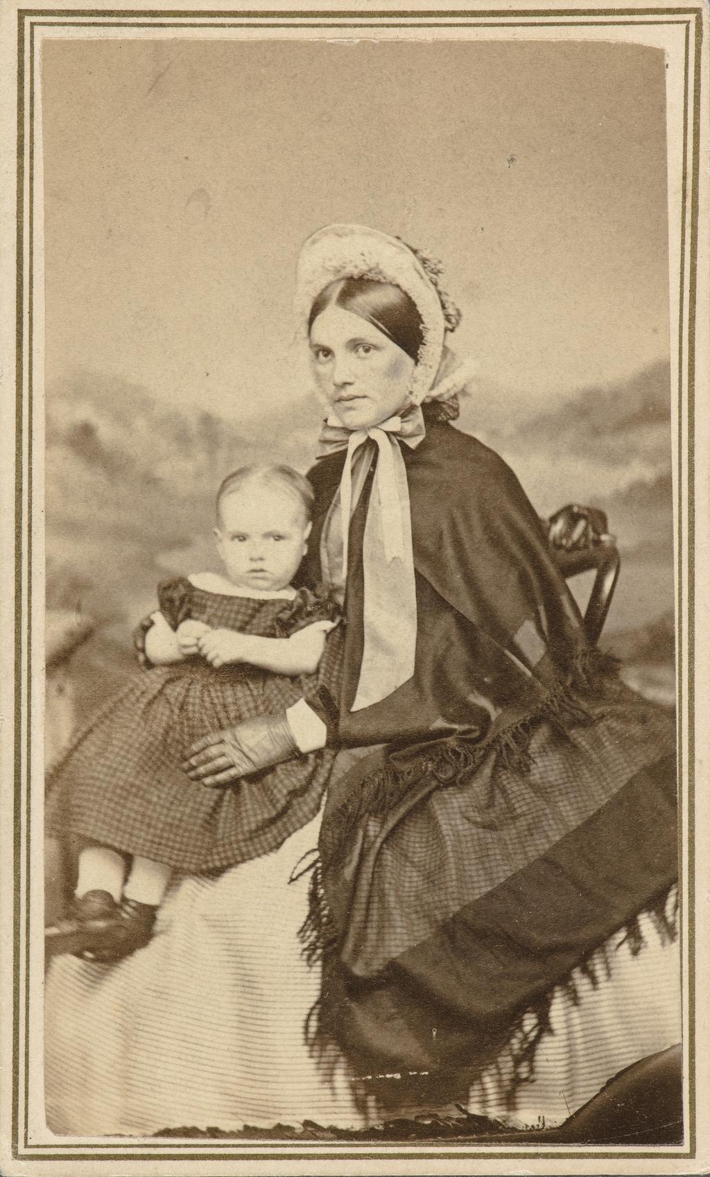 Portrait de femme et son enfant, de l'album de collection dit de Napoléon Garneau