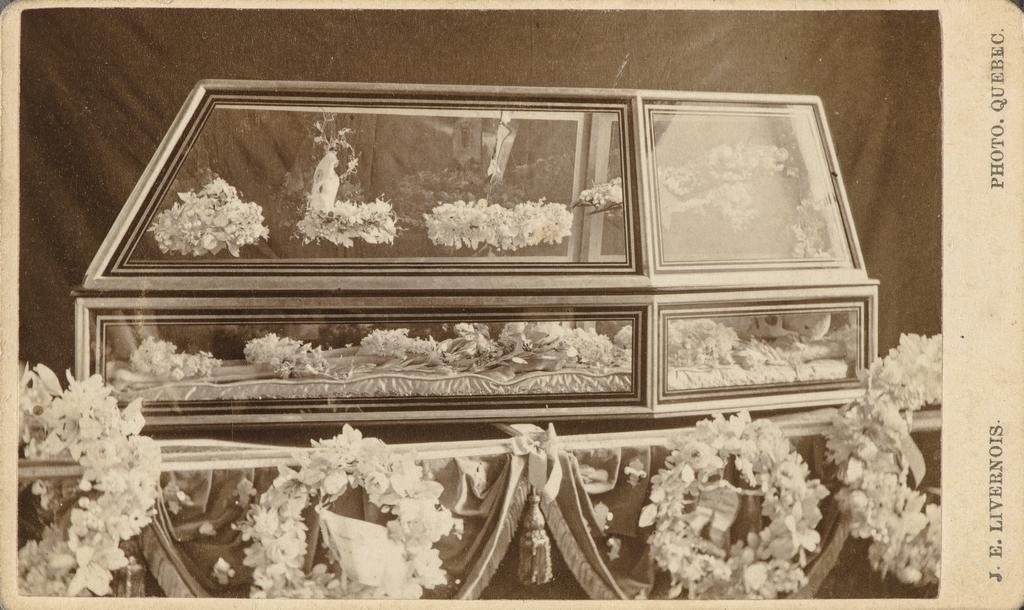 Les Restes de monseigneur François de Laval, de l'album de collection dit de Napoléon Garneau