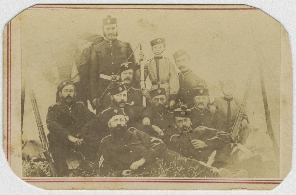 Portrait de groupe du régiment de Maisonneuve, La Prairie
