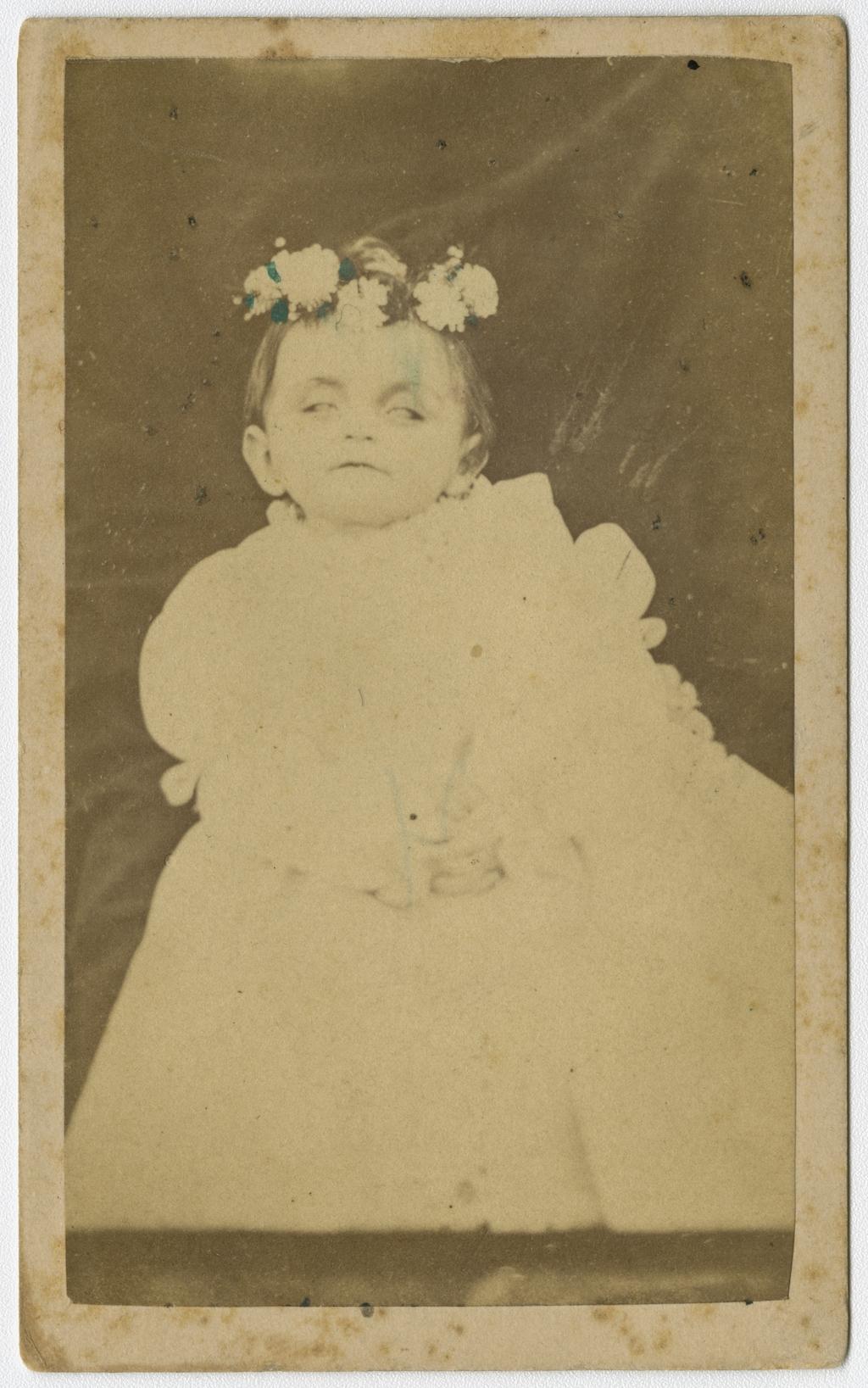 Portrait d'un bébé mort
