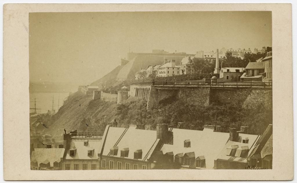 La Côte de la Montagne, la terrasse Durham et la Citadelle de Québec vues des édifices du Parlement