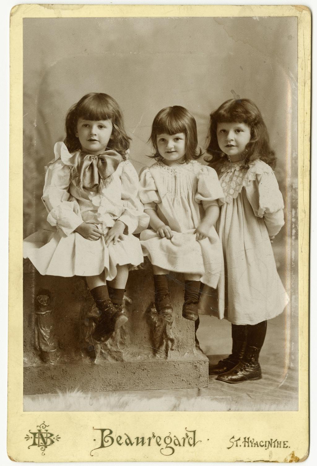 Portrait de trois enfants