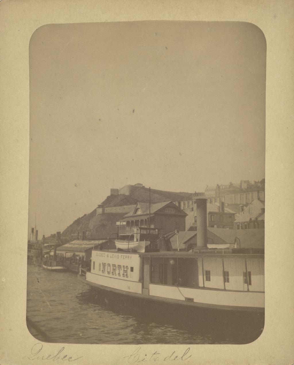 Le Traversier-vapeur « North » au quai de la Reine, Québec