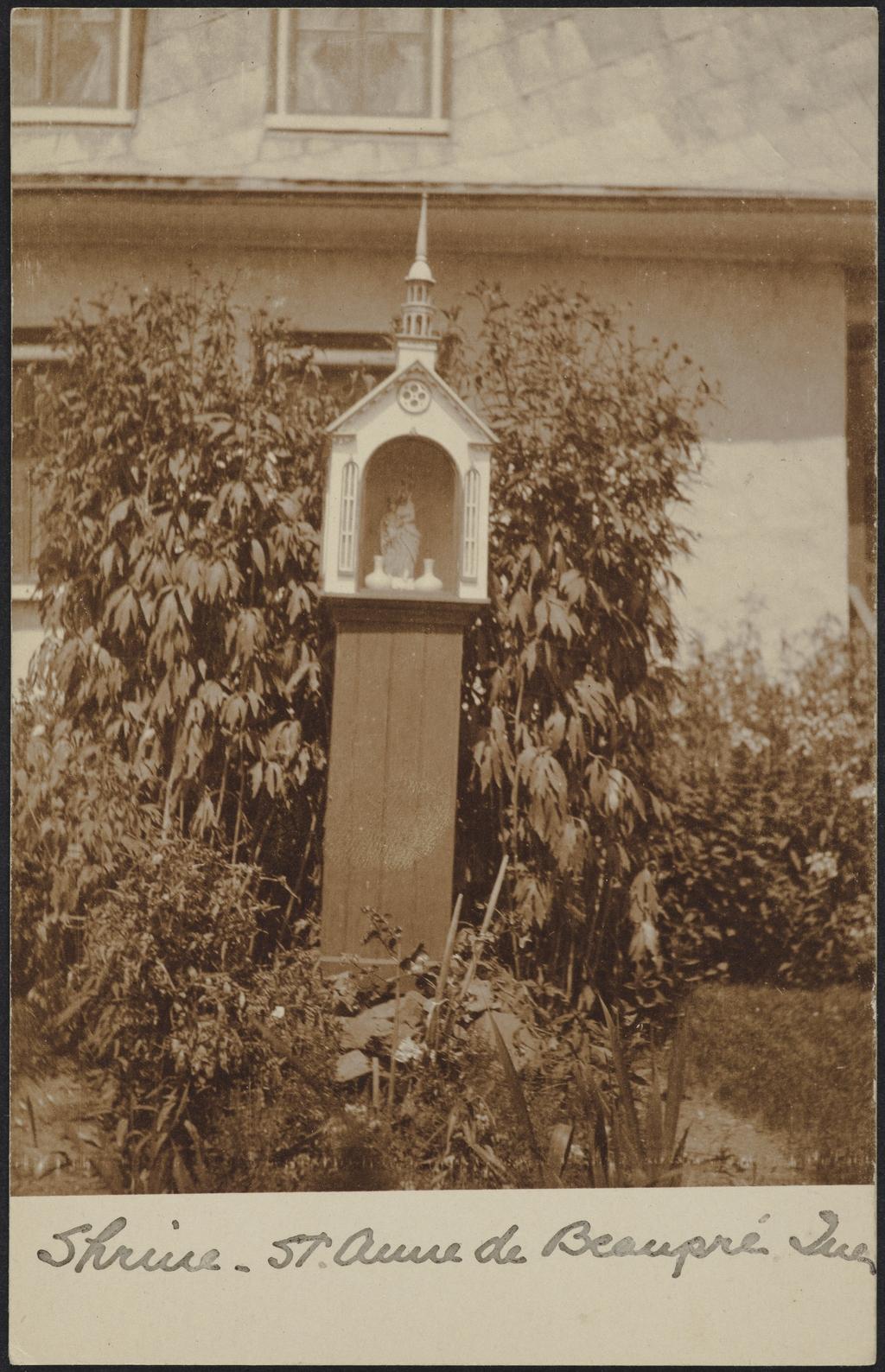 Petite Niche de la Vierge à l'Enfant, Sainte-Anne-de-Beaupré