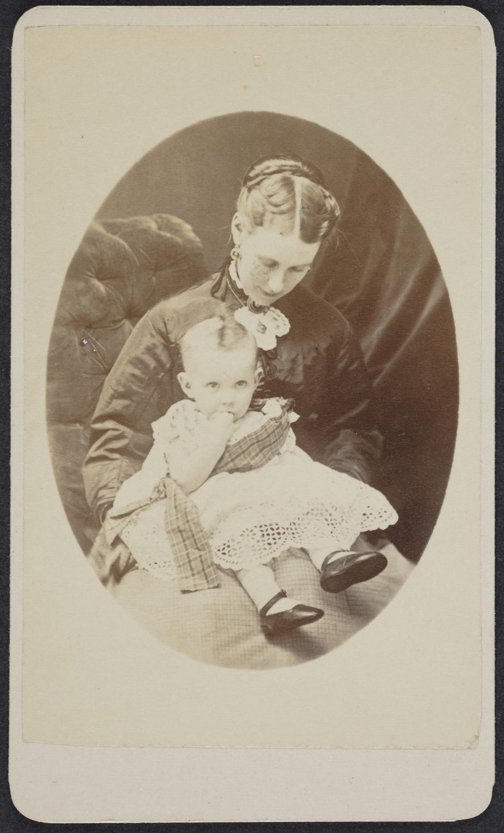 Portrait d'une femme et de son enfant, de l'album de collection dit de Richard Alleyn