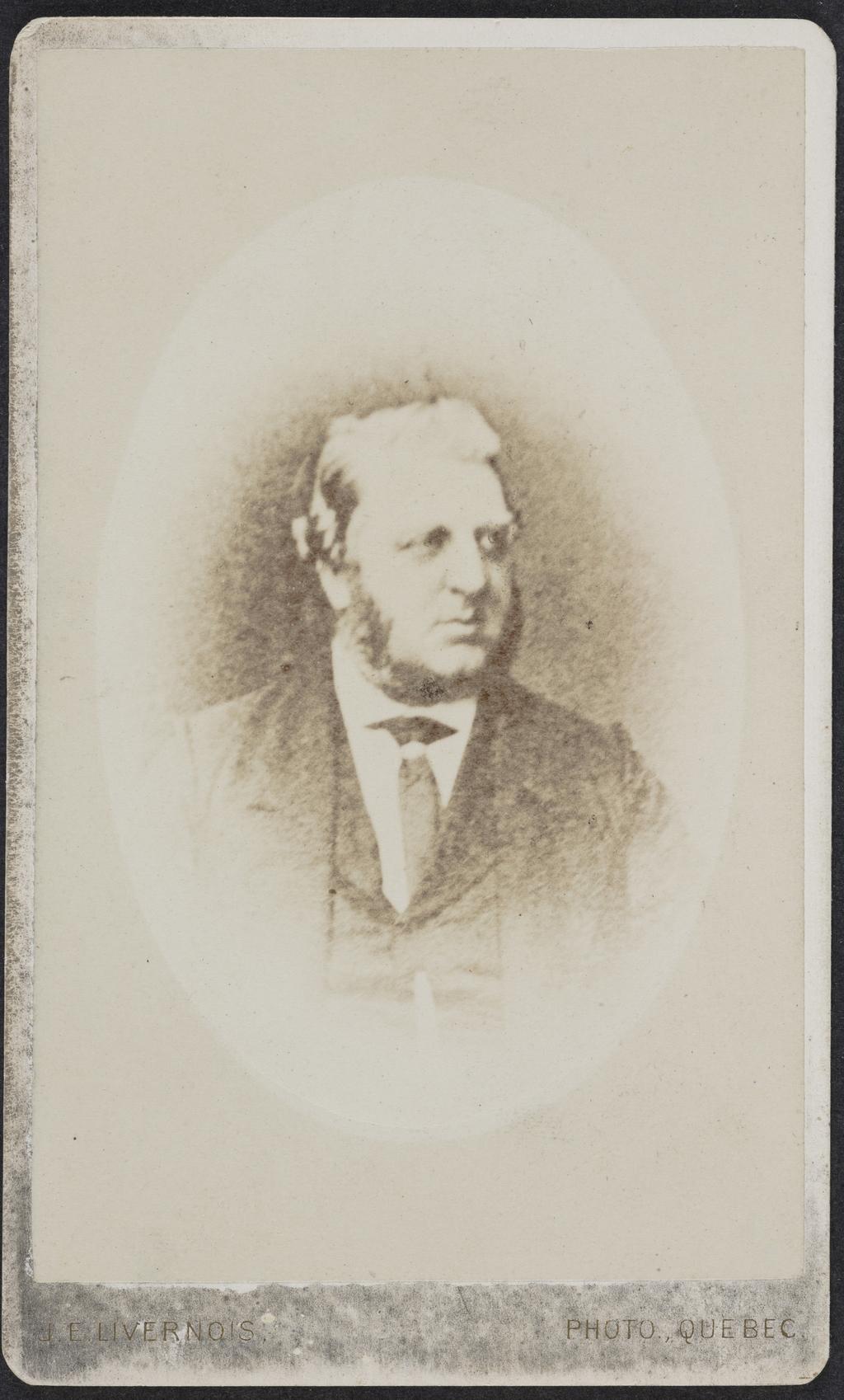 Portrait d'homme. Photographie d'une photographie, de l'album de collection dit de Richard Alleyn