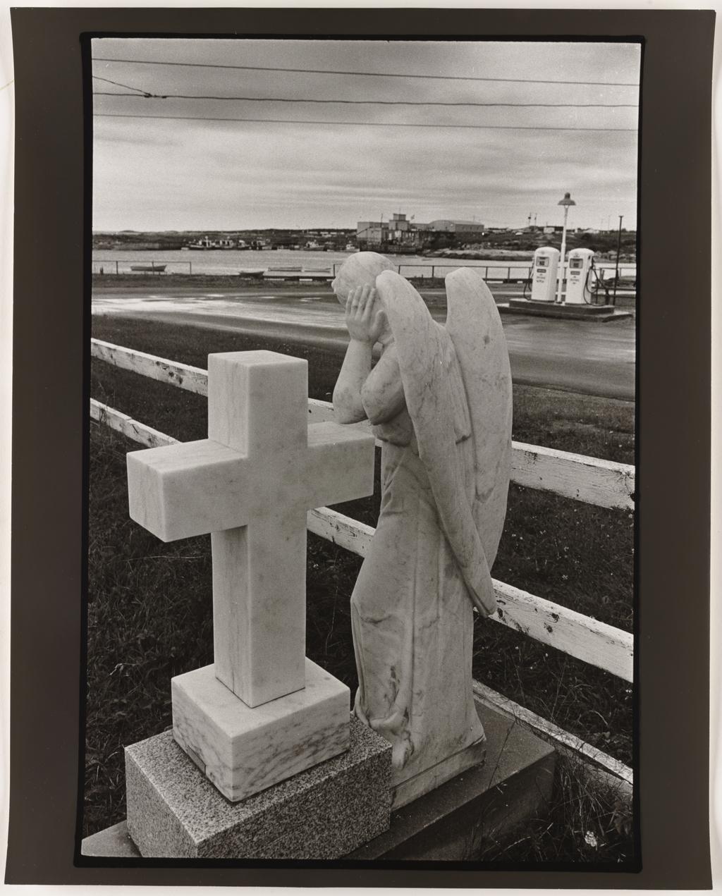 Rivière-au-Tonnerre, Côte-Nord, 1982, de la série Les Tremblements du coeur, première séquence 6/8